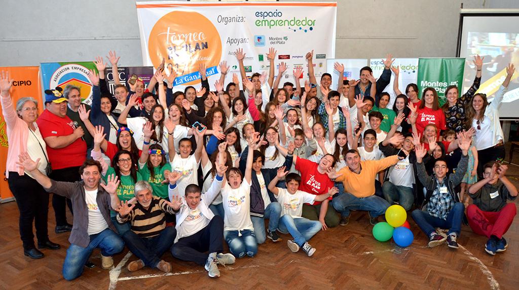 Jóvenes colonienses viajan a Chile para Olimpíadas de Emprendimiento